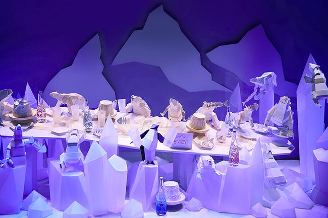 Une vitrine « extra polaire » evian®  x Christian Lacroix au Galeries Lafayette Paris Haussmann